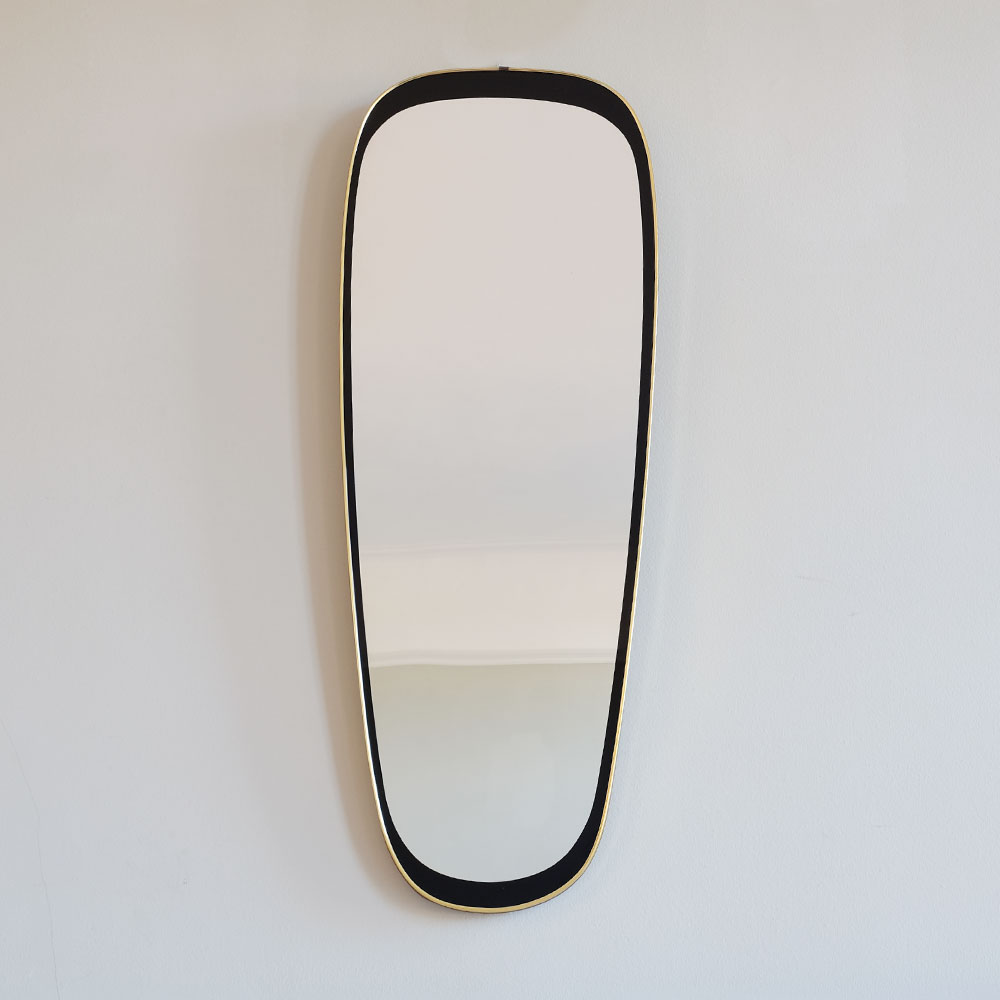 Oval-Mirror-with-Black-and-Brass-Surround-ii