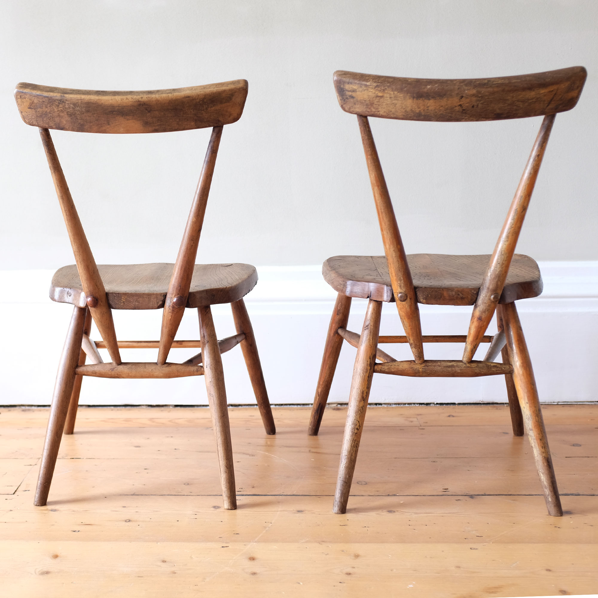 Pair-of-Early-Ercol-Dining-Chairs-ix