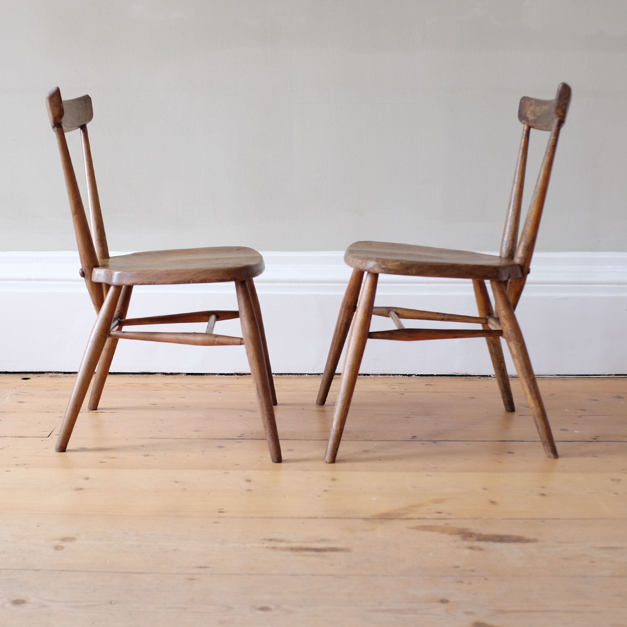 Pair-of-Early-Ercol-Dining-Chairs-viii