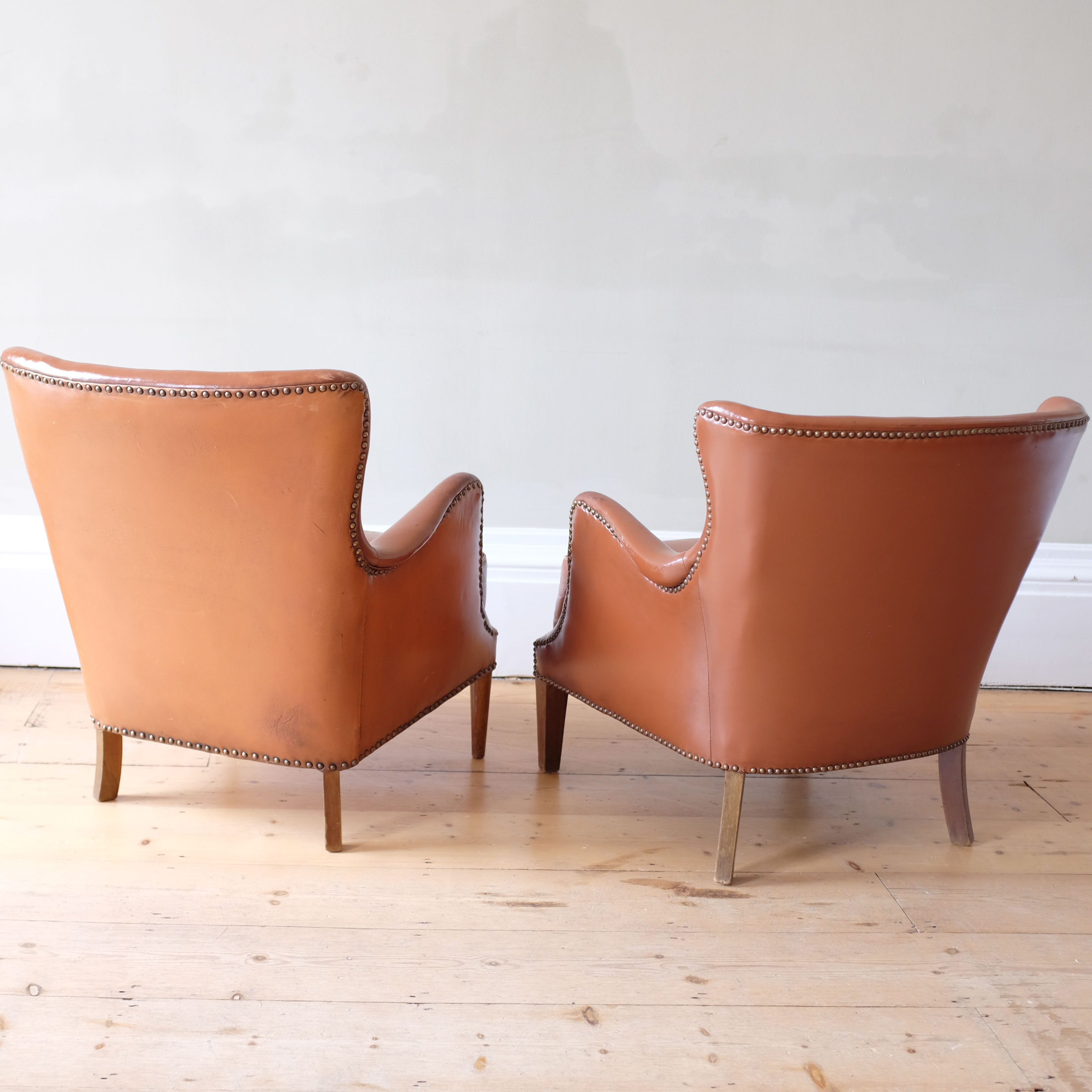 Pair-of-Leather-Club-Chairs-in-the-Style-of-Frits-Henningsen-vi