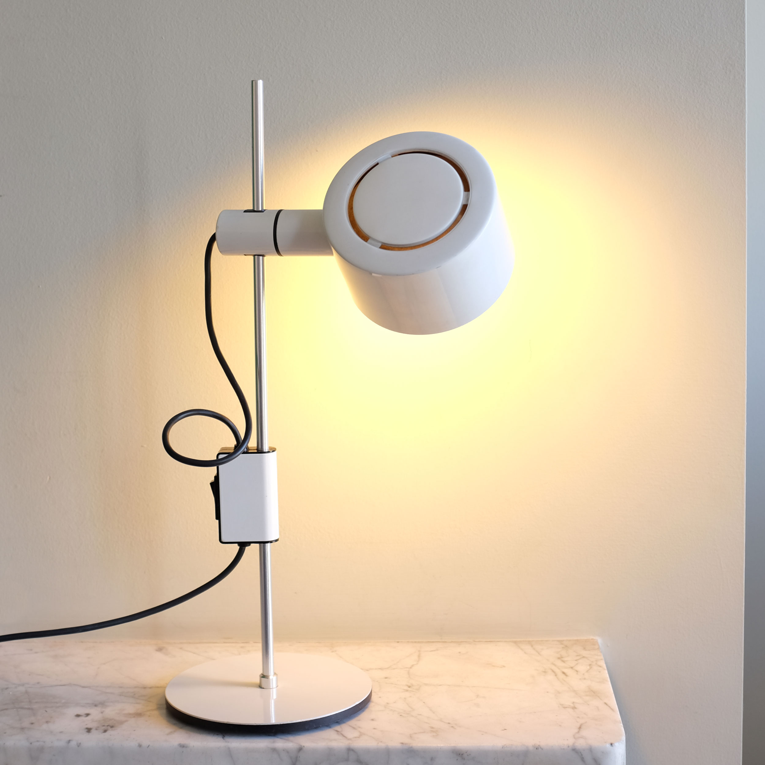 Vintage-Desk-Lamp-by-Ronald-Holmes-for-Conelight-v