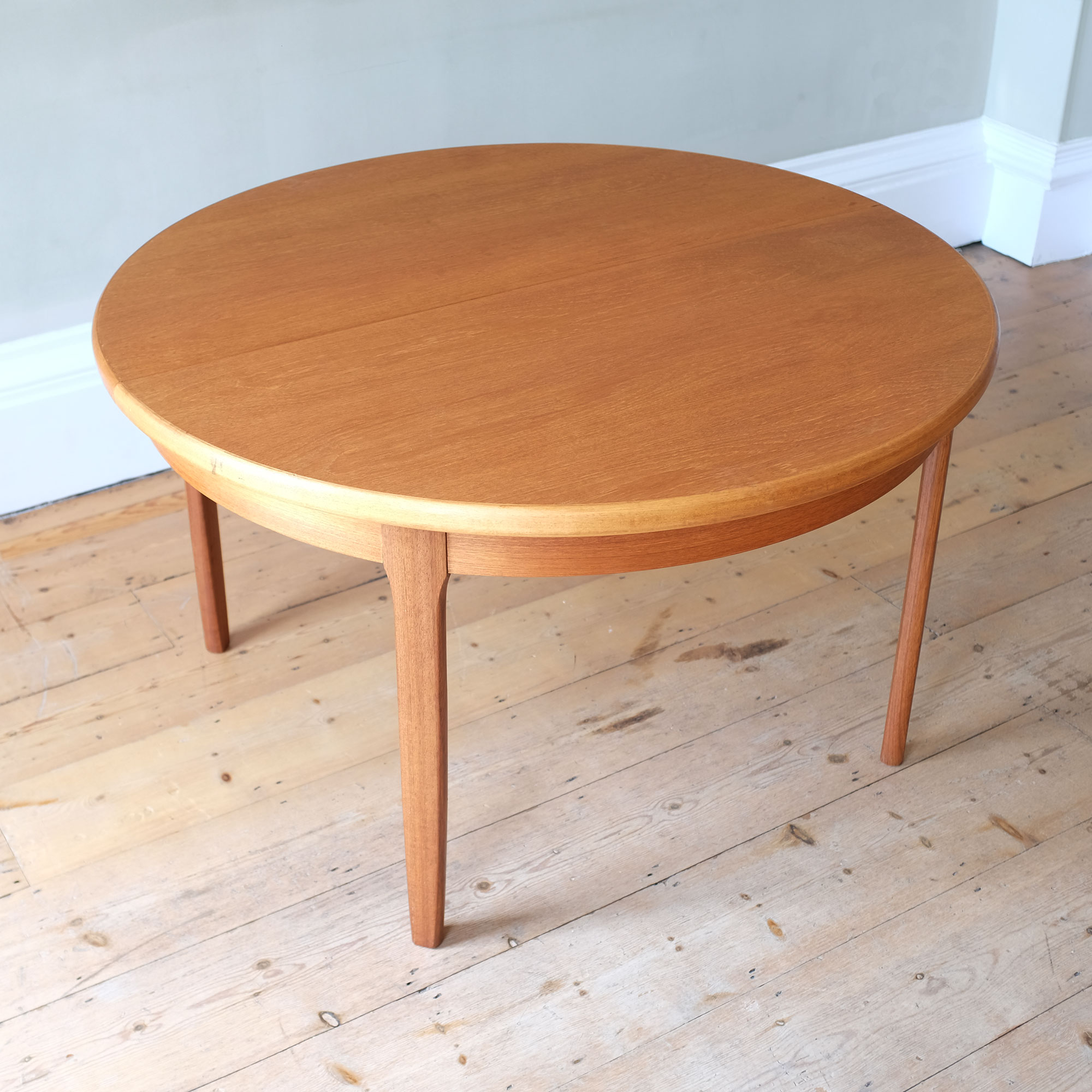 Vintage-DiningTable-and-Chairs-by-Elliots-of-Newbury-x