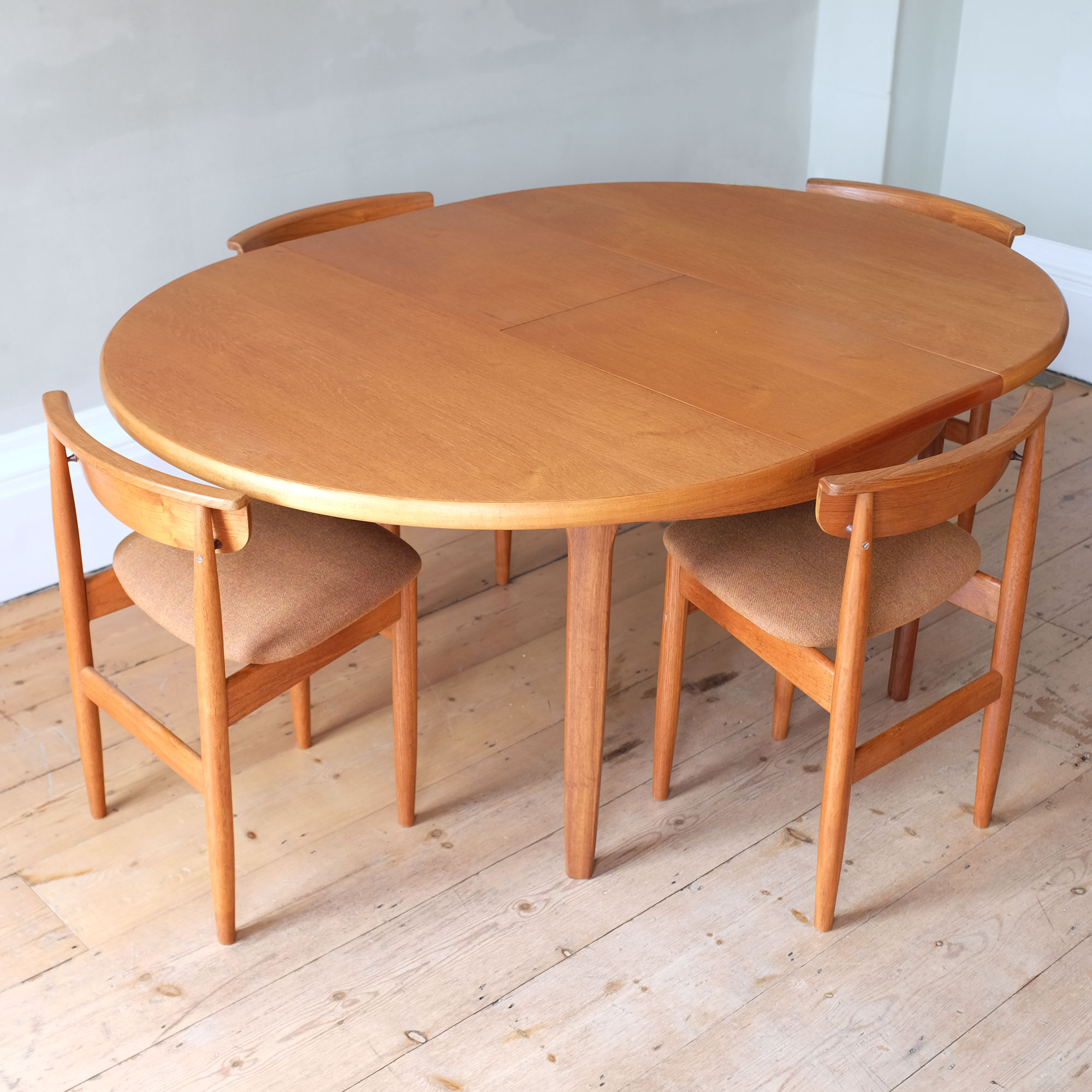Vintage-DiningTable-and-Chairs-by-Elliots-of-Newbury-xvii