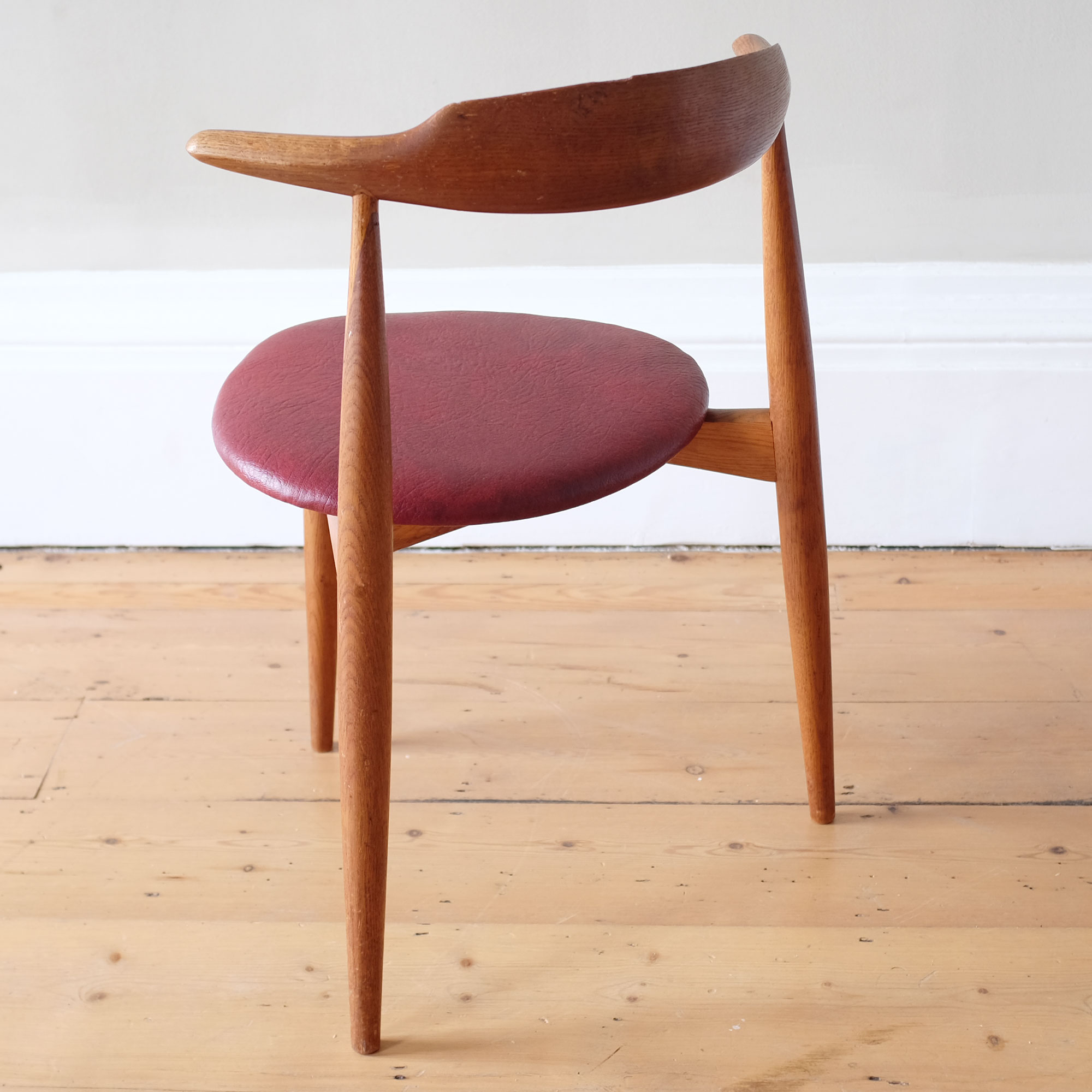 Vintage-Hans-Wegner-Heart-Chair-ii