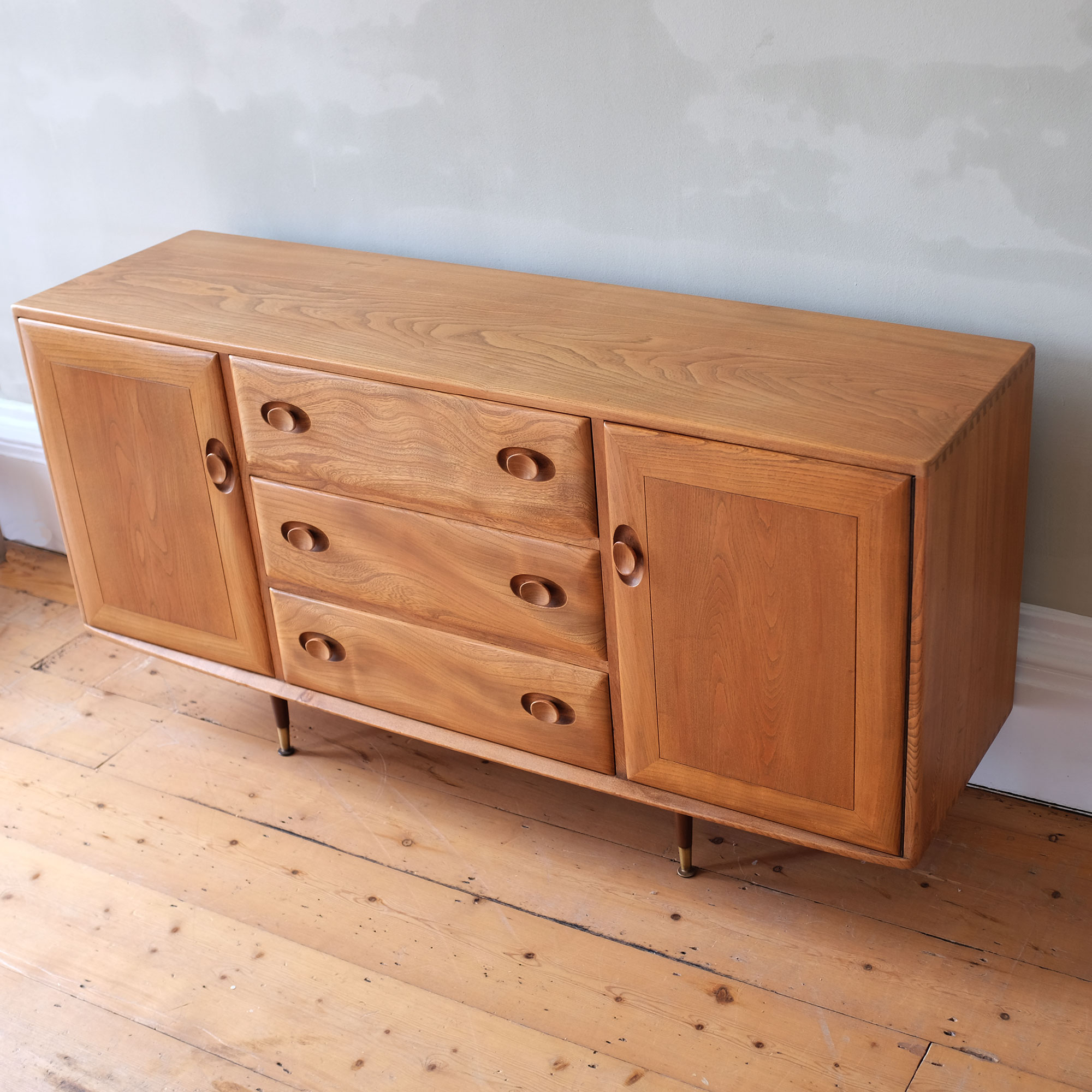 Vintage-Ercol-Small-Sideboard-xii